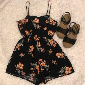 H&M Black and Orange Floral Romper Size 4